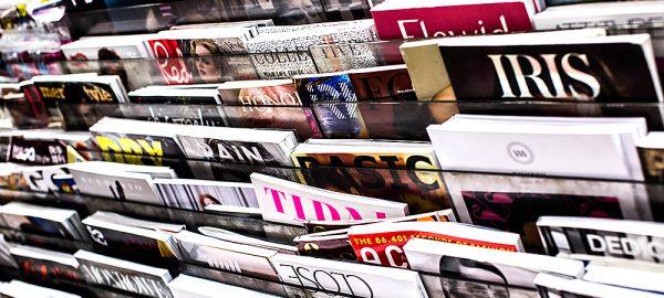 Tidningar i tidningsställ